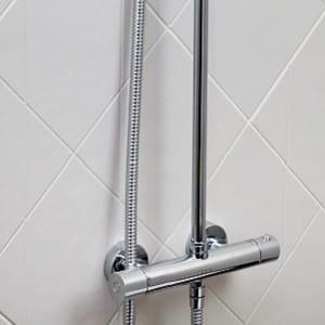 Carre Bar Shower